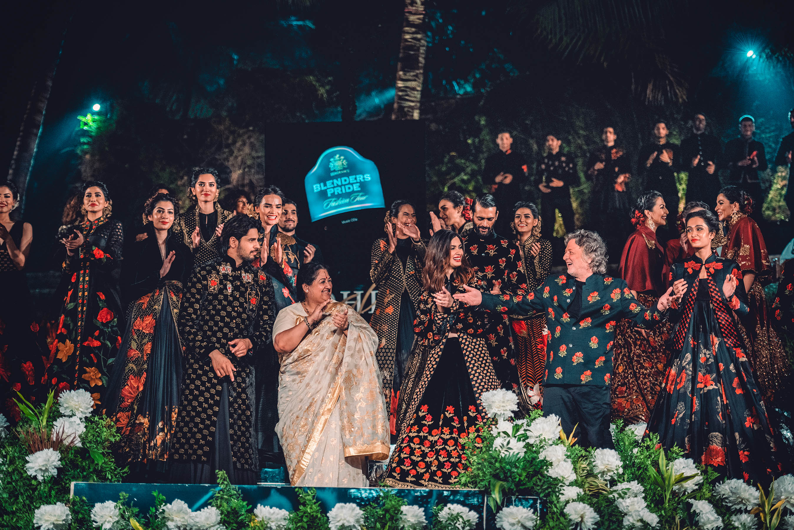 Naina.co, Blenders Pride Fashion Tour, Rohit Bal, Guldasta, Kashmir, Pernod Ricard, Naina Redhu, MadeInIndia, EyesForFashion, Blenders Pride, BPFT2018, BPFT, NAINAxBPFT, MyStyleMyPride, MyHeritageMyPride, Taj Lands End, Bandra Fort, Heritage Building, Bandra, Bombay, Mumbai, Diana Penty, Siddharth Malhotra, Preferred Professionals, Whiskey, Fashion Tour, Fashion Party, Shubha Mudgal, Indian Classical Music, Flowers, Diva Dhawan, Indian Models, Roses, Flower Motifs, Fashion Show, Gudda, Sealink